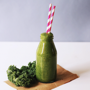 Image of a green smoothie in connection with a discussion on The Sirtfood Diet